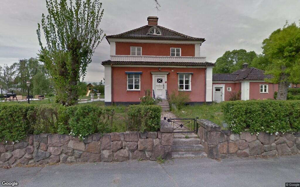 Stor villa i Vimmerby har fått ny ägare