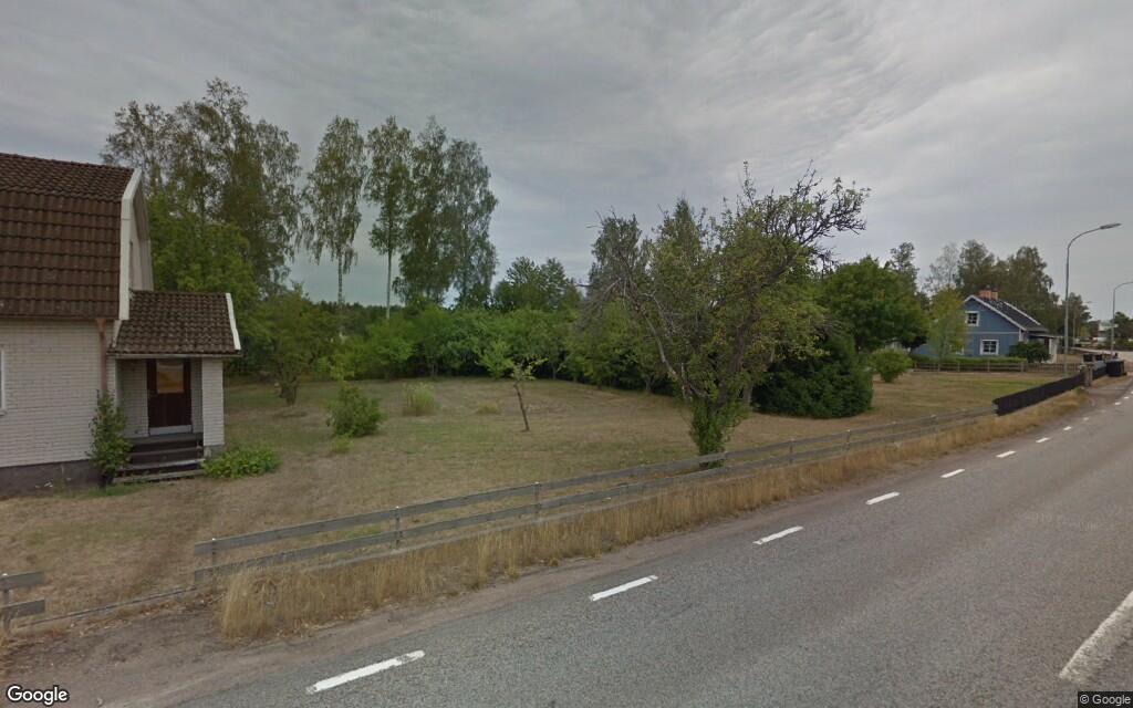 125 kvadratmeter stor äldre villa i Målilla såld till nya ägare