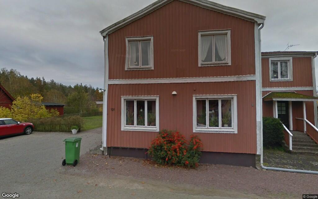 Nya ägare till stor villa i Hagby